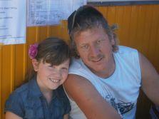 Peter beim Bau des HdG`s mit Tochter