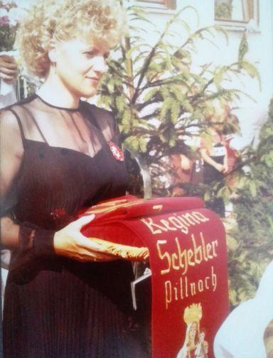 Regina Schebler Fahnenmutter 1979