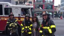 """Lydia und die """"Member of Firebrigade"""" in New York"""