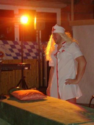 Dirk in seiner Paraderolle als Krankenschwester Dörte